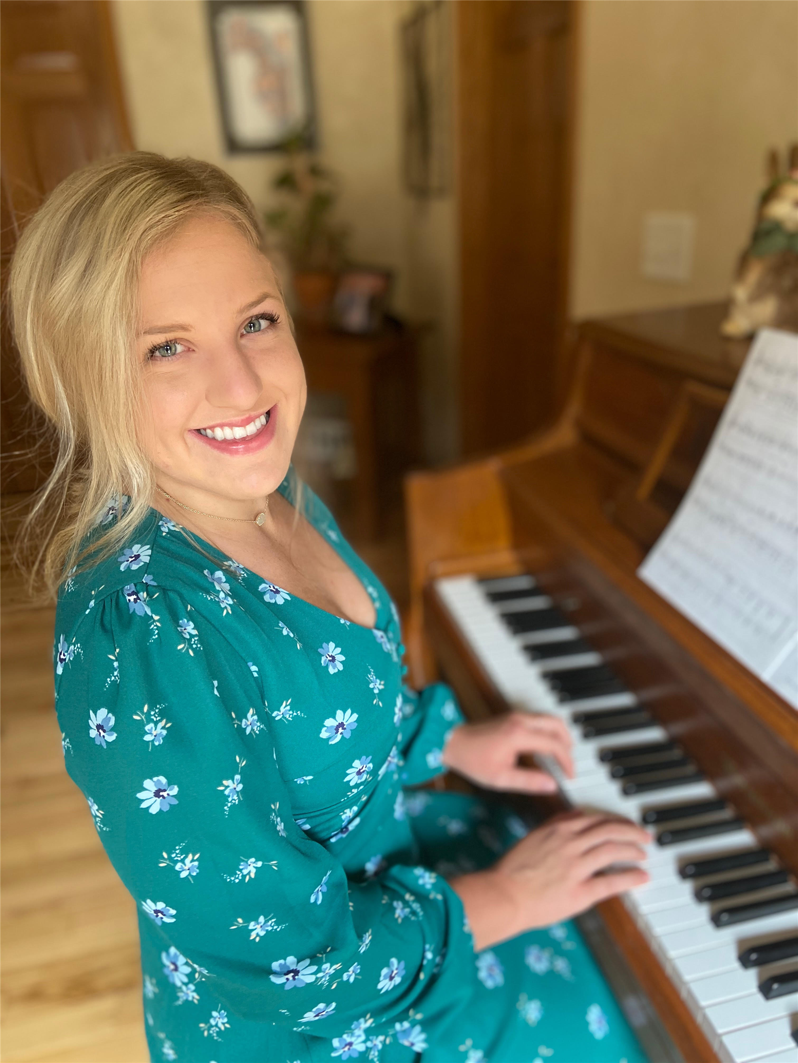 OUSD Senior Alayna Westenberg qualifies for State level Solo and Ensemble Festival with her Piano! (April 8, 2020)